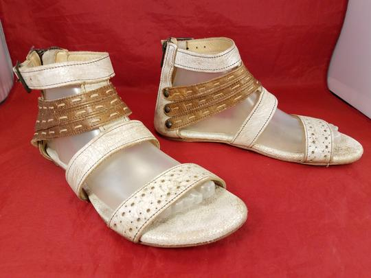 Bed|Stü Distressed Leather Gladiator Woman Size 9 beige and brown Sandals Image 2
