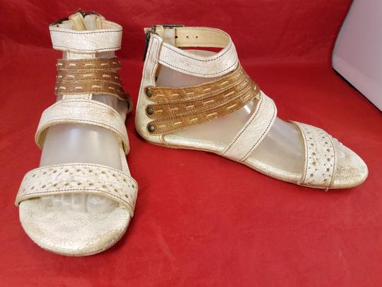 Bed|Stü Distressed Leather Gladiator Woman Size 9 beige and brown Sandals Image 3