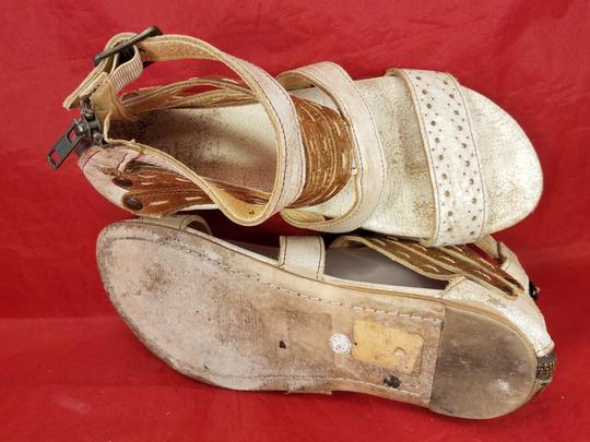 Bed|Stü Distressed Leather Gladiator Woman Size 9 beige and brown Sandals Image 7