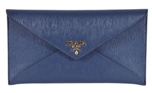 0c290043eb Prada Clutches on Sale - Up to 70% off at Tradesy