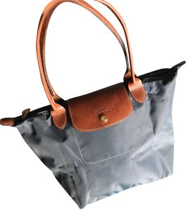 Longchamp Weekend   Travel Bags - Up to 90% off at Tradesy a91eb0d92f6fb