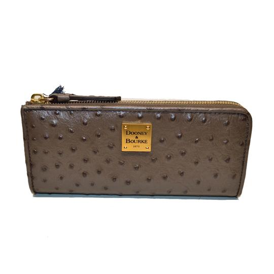 Preload https://img-static.tradesy.com/item/24979993/dooney-and-bourke-pewter-ostrich-emb-leather-zip-clutch-wallet-0-0-540-540.jpg