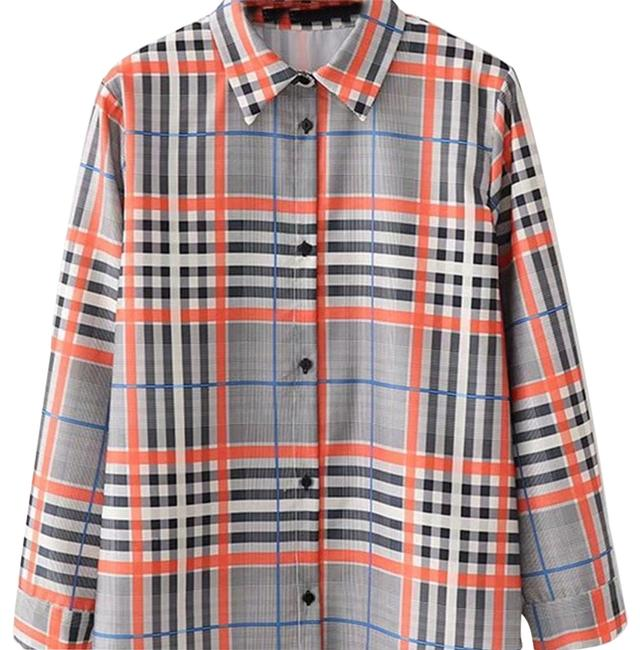 Preload https://img-static.tradesy.com/item/24980079/shein-curved-plaid-blouse-size-4-s-0-1-650-650.jpg