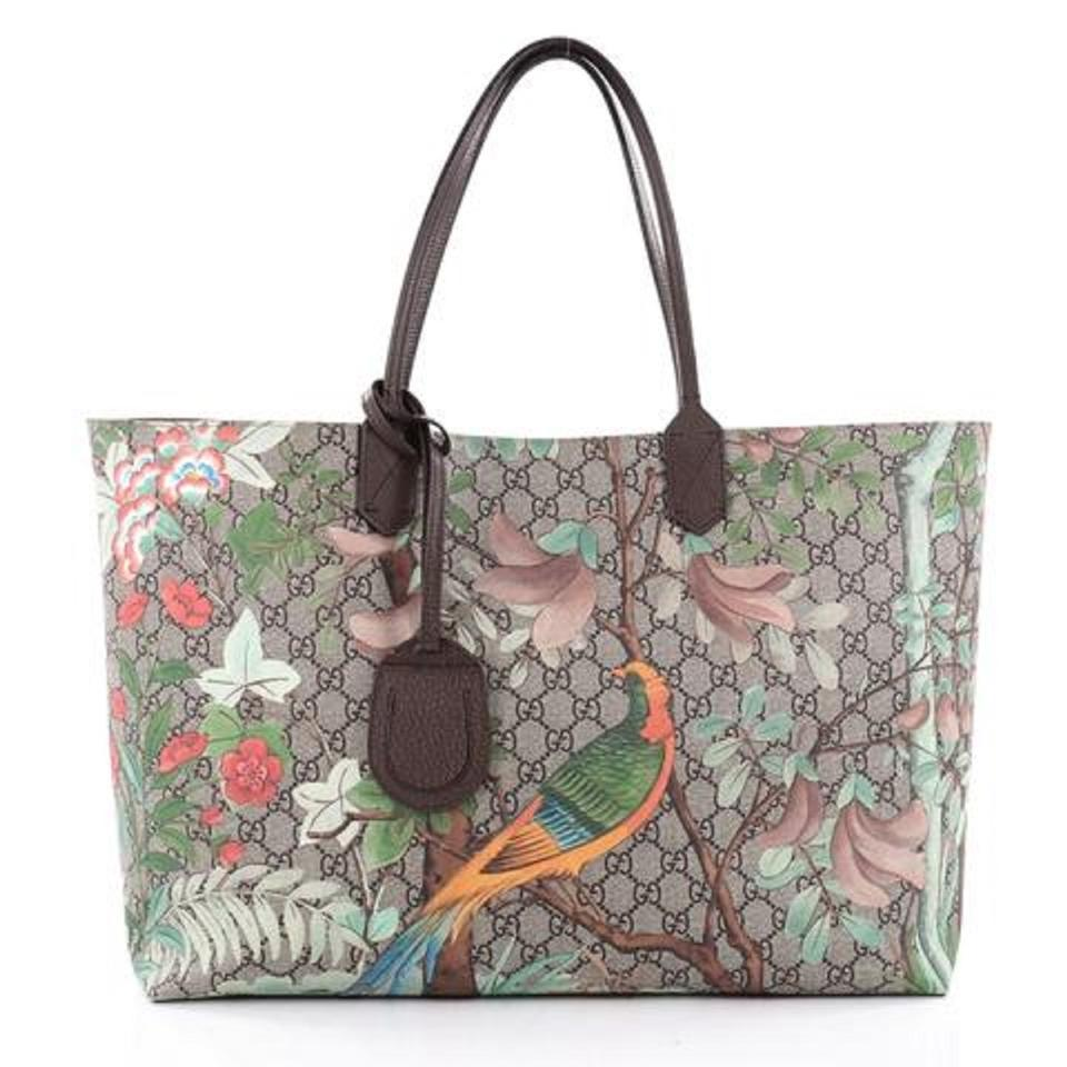 893c032a488 Gucci Women s Tian Patterned Gg Supreme Large Shopping 427 Brown ...