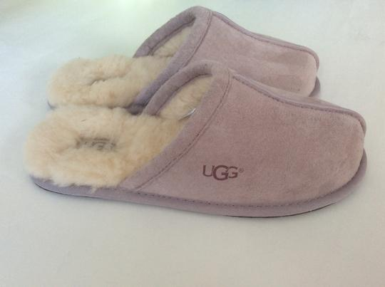 UGG Australia New With Tags Feather / Light Lavender Flats Image 7