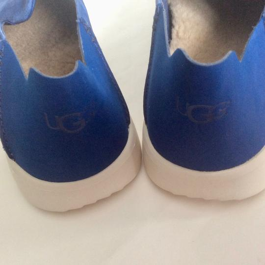 UGG Australia New With Tags Men's Marine Blue Flats Image 5