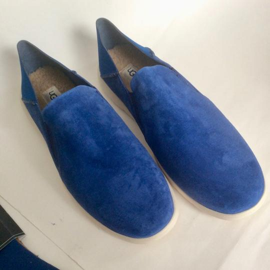 UGG Australia New With Tags Men's Marine Blue Flats Image 8