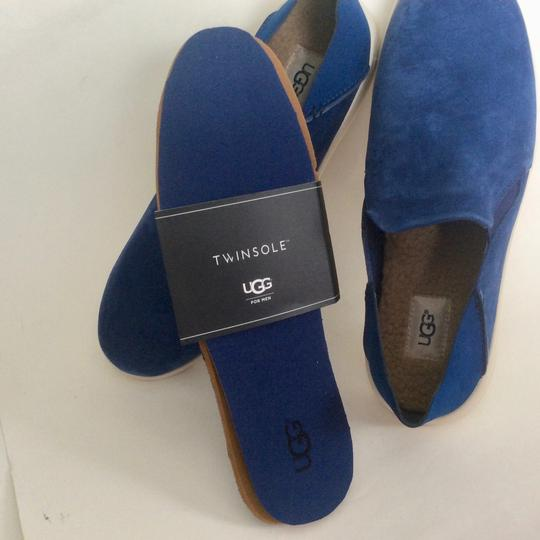 UGG Australia New With Tags Men's Marine Blue Flats Image 9