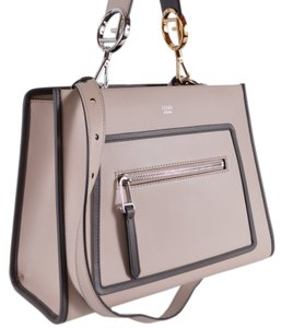 06e31c0d225e Fendi Shoulder Bags - Up to 70% off at Tradesy (Page 3)