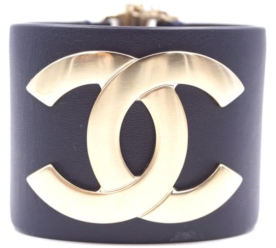 Preload https://img-static.tradesy.com/item/24981393/chanel-28098-gold-hardware-blue-leather-exclusive-edition-ultra-rare-wide-cc-runway-logo-glide-lock-0-1-540-540.jpg