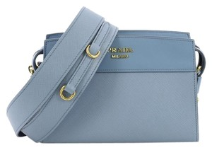 Prada Bags on Sale - Up to 70% off at Tradesy 7d9e50bd136b8