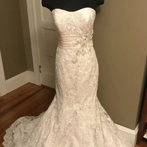 Allure Bridals Ivory / Champagne Lace 8917 Sexy Wedding Dress Size 12 (L)