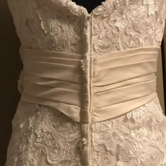 Allure Bridals Ivory / Champagne Lace 8917 Sexy Wedding Dress Size 12 (L) Image 6