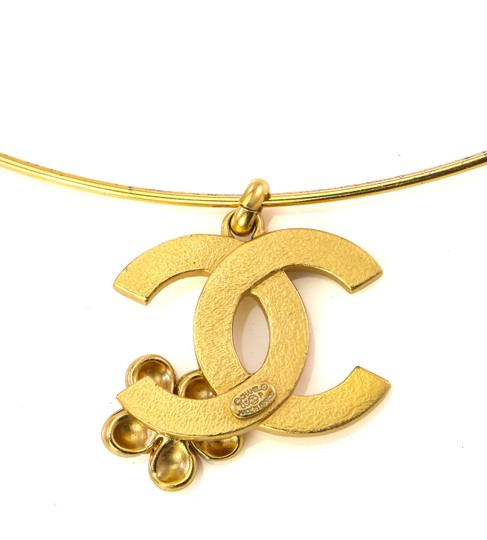 Chanel Chanel CC flower charm bangle necklace. Image 3