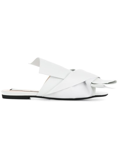 Preload https://img-static.tradesy.com/item/24985373/n21-white-abstract-bow-mules-sandals-size-eu-38-approx-us-8-regular-m-b-0-0-540-540.jpg
