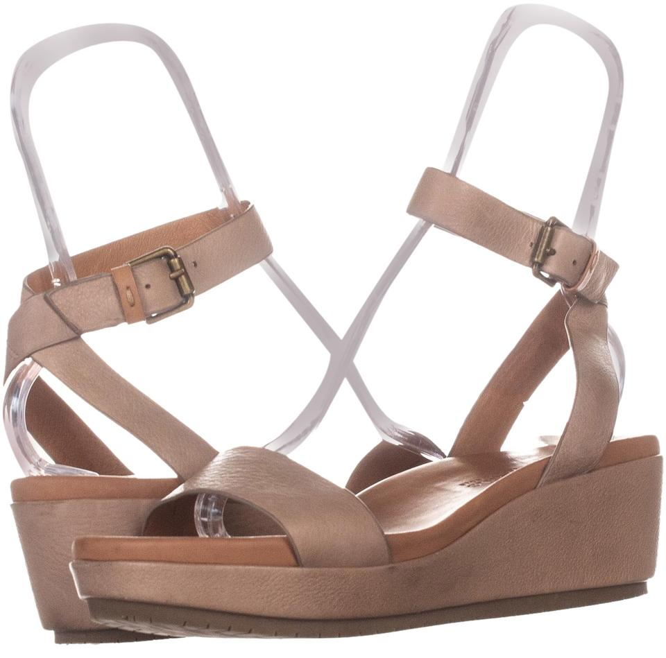 26bcb5741aa Gentle Souls Beige By Kenneth Cole Morrie Sandals 692 Natural Leather Wedges