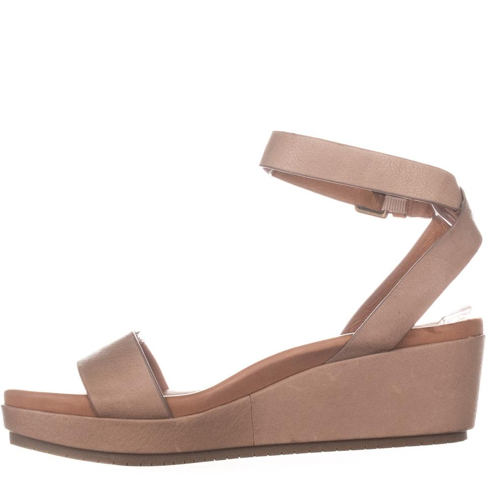 3172d0d8f6c Gentle Souls Beige By Kenneth Cole Morrie Sandals 692 Natural ...