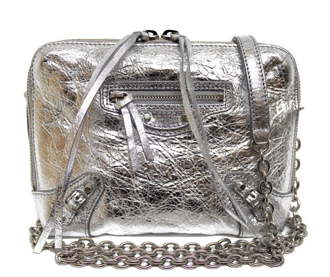 Item - Reporter XS New Classic Metallic Arena Silver Leather Messenger Bag