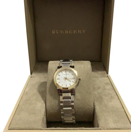 Preload https://img-static.tradesy.com/item/24988947/burberry-silver-and-gold-bu9217-watch-0-2-540-540.jpg