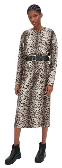 Item - Brown Belted Zebra Animal Print Round Neck Long Sleeve Mid-length Casual Maxi Dress Size 8 (M)