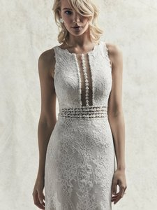 Sottero and Midgley Ivory Over Soft Pearl Lace Sloane Modern Wedding Dress Size 10 (M)