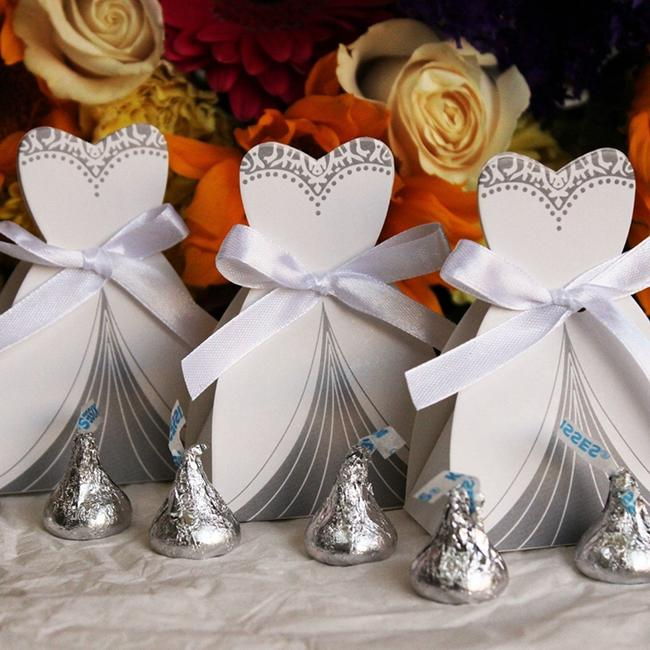 Item - White & Silver 50pc Bridal Dress Wedding Party Favor Gift Boxes