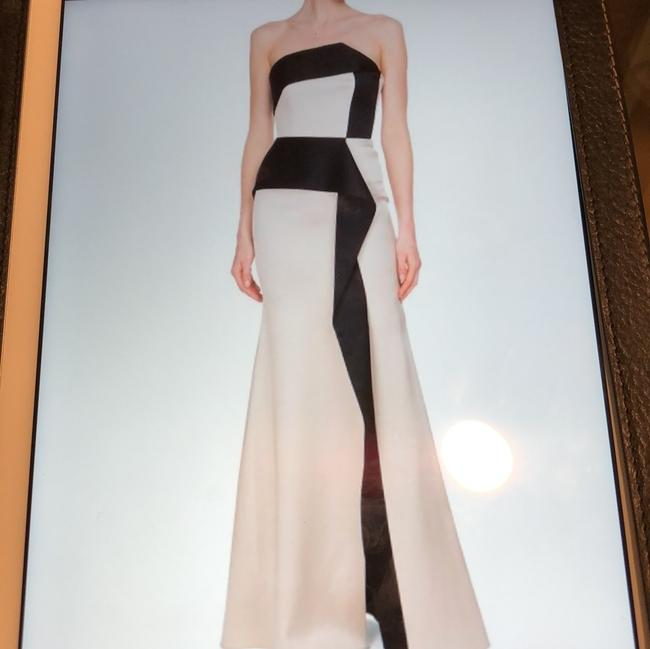 Roland Mouret Champagne/Black 70%acetate 26%viscose 4%polyurethane Addover Formal Bridesmaid/Mob Dress Size 2 (XS) Roland Mouret Champagne/Black 70%acetate 26%viscose 4%polyurethane Addover Formal Bridesmaid/Mob Dress Size 2 (XS) Image 1