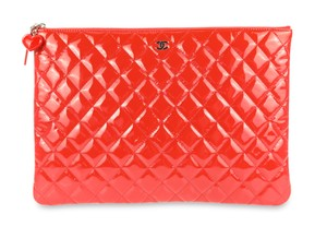 Chanel Valentine O-case Vernis Red Clutch
