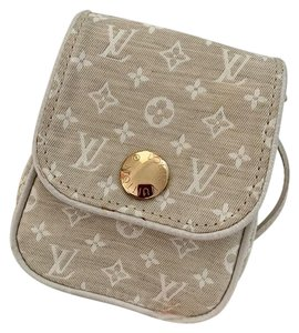 Louis Vuitton Cross Body Bags - Up to 70% off at Tradesy a78d0a6d7f1af