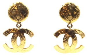 Chanel RARE CC XL Extra large Quilted Texture gold dangle clip on earrings