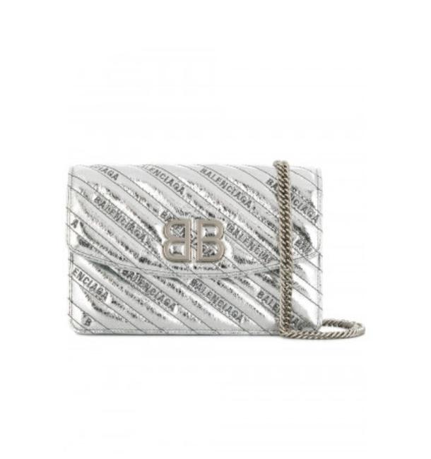 Item - New Chain S Silver Leather Cross Body Bag