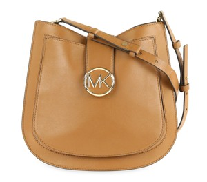 Michael Kors Shoulder Bags - Up to 70% off at Tradesy 174878df0ee79