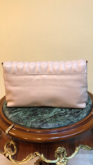 Badgley Mischka nude/blush Clutch Image 5