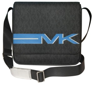 db12516517fb Michael Kors Messenger Bags - Up to 70% off at Tradesy (Page 3)