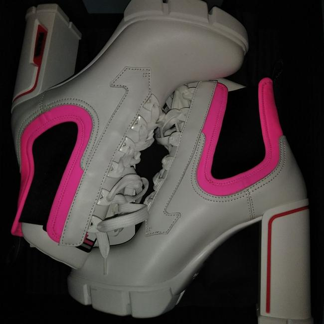 Item - White/Neon Pink/Black Laced Leather Boots/Booties Size EU 39.5 (Approx. US 9.5) Narrow (Aa, N)