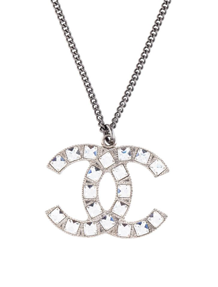 d03a3260ed680 Chanel Crystal Clear Silver Box Cc Logo Pendant Timeless Elegant Necklace
