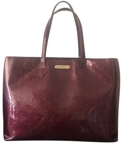 Louis Vuitton Tote in rouge faiviste