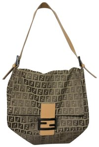 5573a02ce335 Fendi Shoulder Bags - Up to 70% off at Tradesy