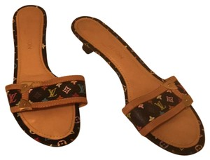 de5295fb25ebe Louis Vuitton Sandals - Up to 70% off at Tradesy