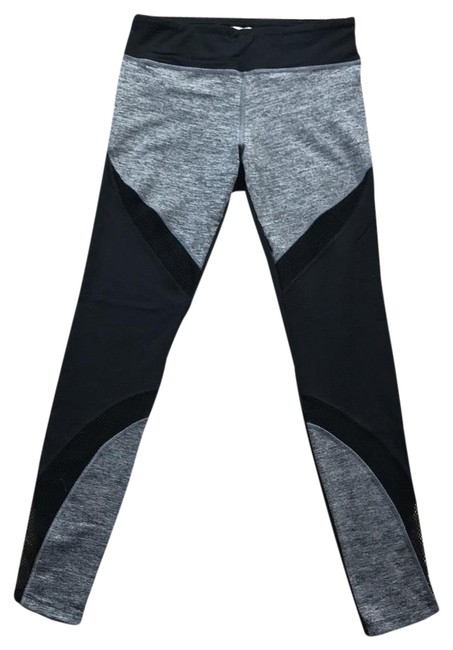 Item - Black and Grey Activewear Bottoms Size 4 (S)