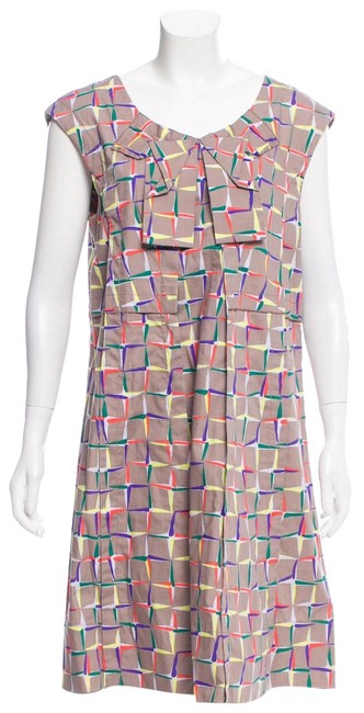 Item - Taupe/Multi Knee-length with Geometric Print Throughout Mid-length Short Casual Dress Size 12 (L)