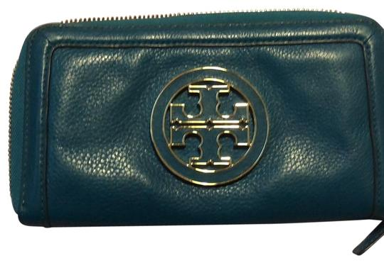 Preload https://img-static.tradesy.com/item/25007092/tory-burch-turquoise-soft-leather-wallet-0-1-540-540.jpg