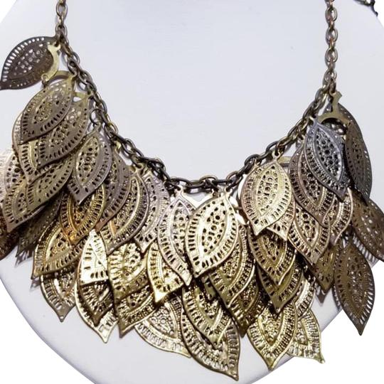 Preload https://img-static.tradesy.com/item/25007490/gold-leaf-bib-style-chain-necklace-0-1-540-540.jpg