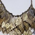 Vintage Vintage gold leaf bib style chain necklace Image 1