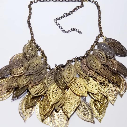 Vintage Vintage gold leaf bib style chain necklace Image 2