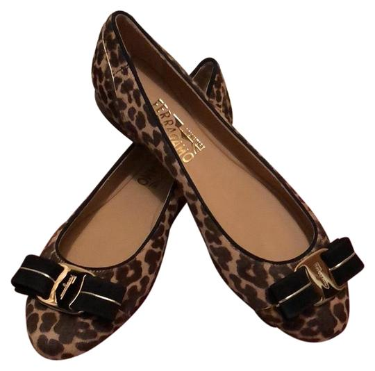 Preload https://img-static.tradesy.com/item/25007631/salvatore-ferragamo-varina-flats-size-us-55-regular-m-b-0-1-540-540.jpg