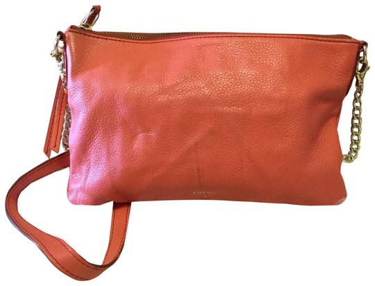 Preload https://img-static.tradesy.com/item/25007831/fossil-peach-leather-cross-body-bag-0-2-540-540.jpg