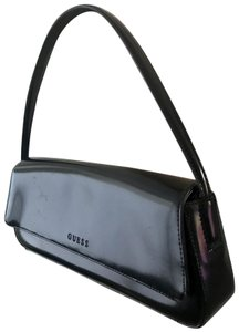 f5a7103a53 Guess Bags - Up to 90% off at Tradesy