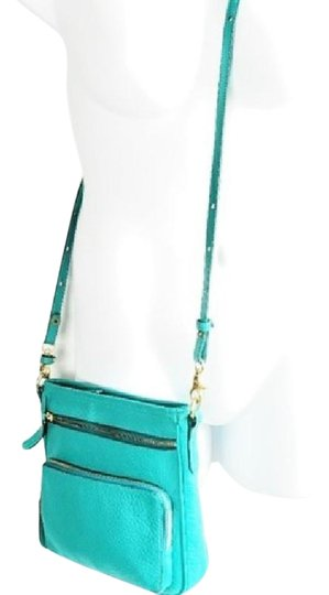 Preload https://img-static.tradesy.com/item/25011665/brahmin-turquoise-new-without-blue-leather-cross-body-bag-0-1-540-540.jpg
