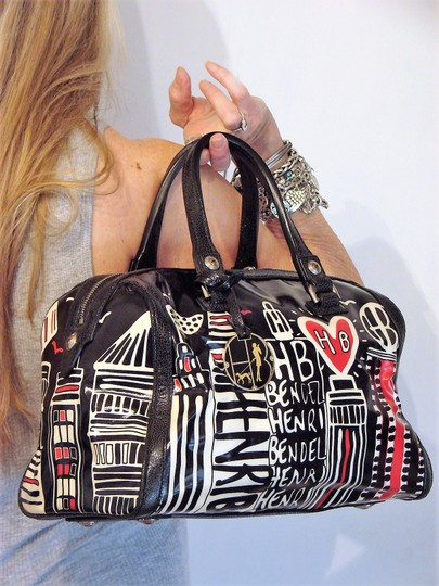 Preload https://img-static.tradesy.com/item/25011838/henri-bendel-skyline-logo-barrel-multicolor-coated-fabricleather-satchel-0-4-540-540.jpg
